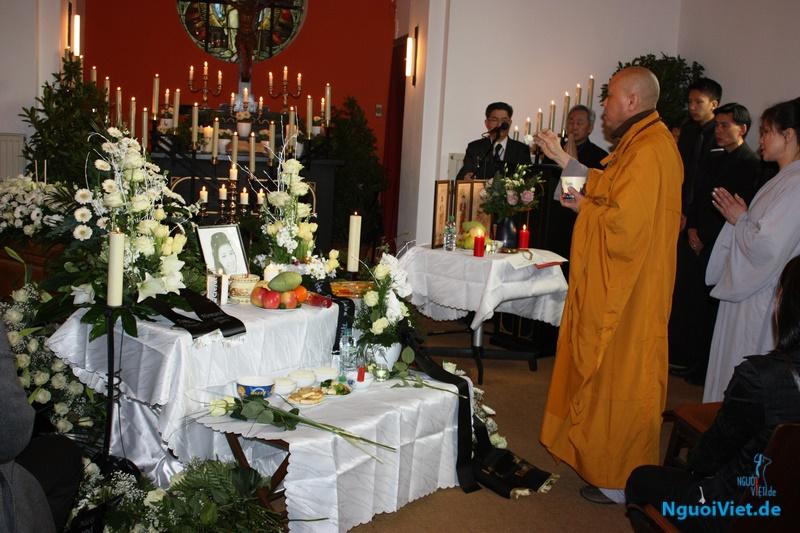 Lễ tang Cháu Trần Phương Anh được cử hành trọng thể ngày 01.04.2016 tại nghĩa trang Berg Friedhof Bad Lauterberg